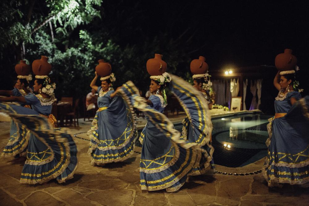 noches de cultura pelican eyes