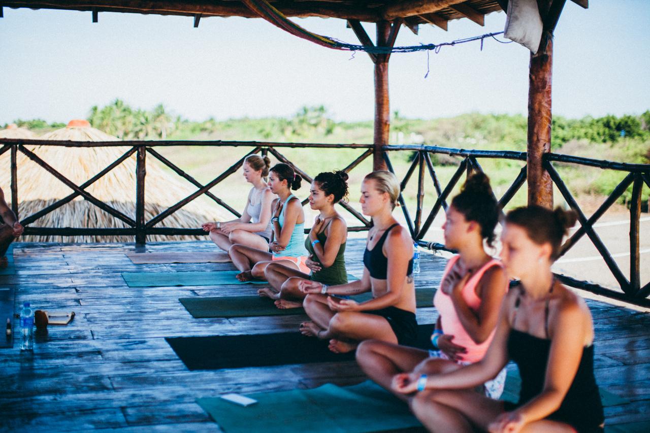 Yoga nicaragua poneloya