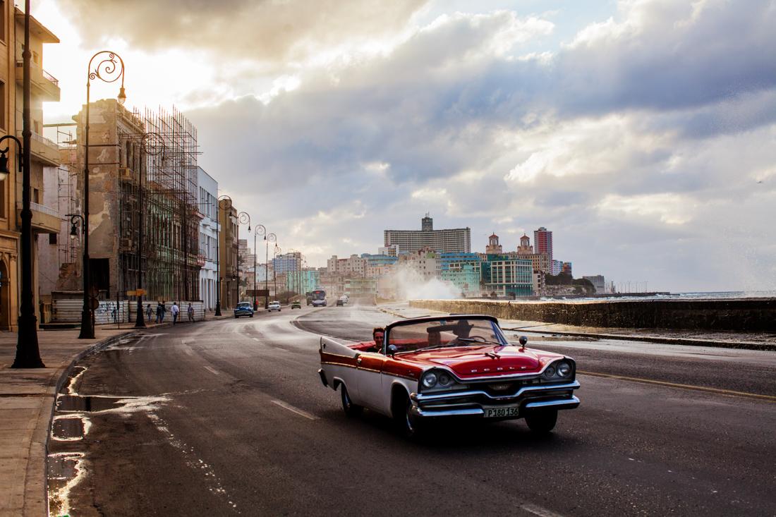 classic car Havana malecon