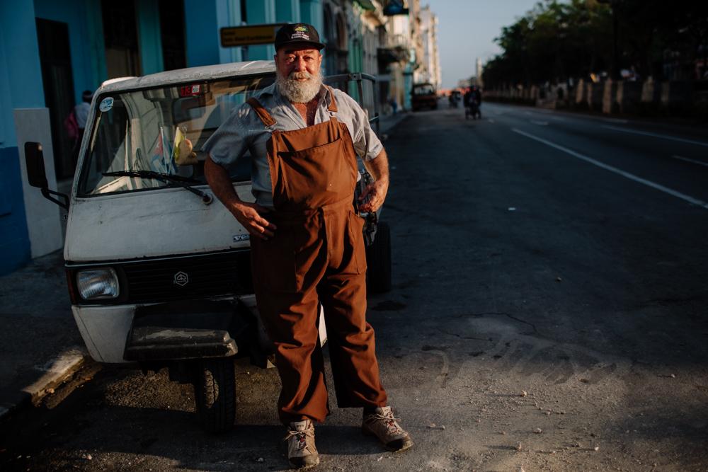 Hemingway alike havana