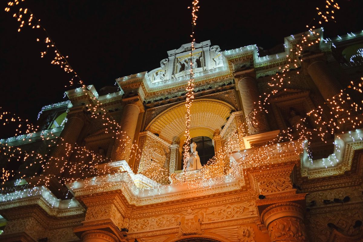 Christmas decorations on Cathedral La Merced, Antigua
