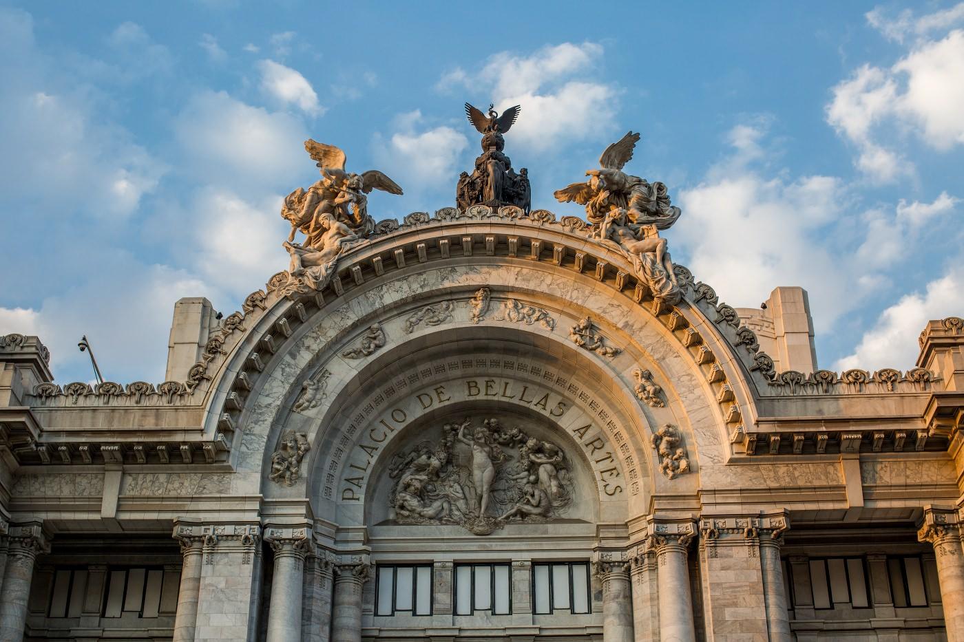 Palacio de bellas Artes fasade Mexico