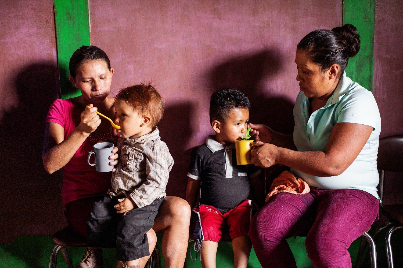 Mothers feeding kids_KubaOkon-041-8135 ngo photographyMothers feeding kids_KubaOkon-041-8135 ngo photography.jpg