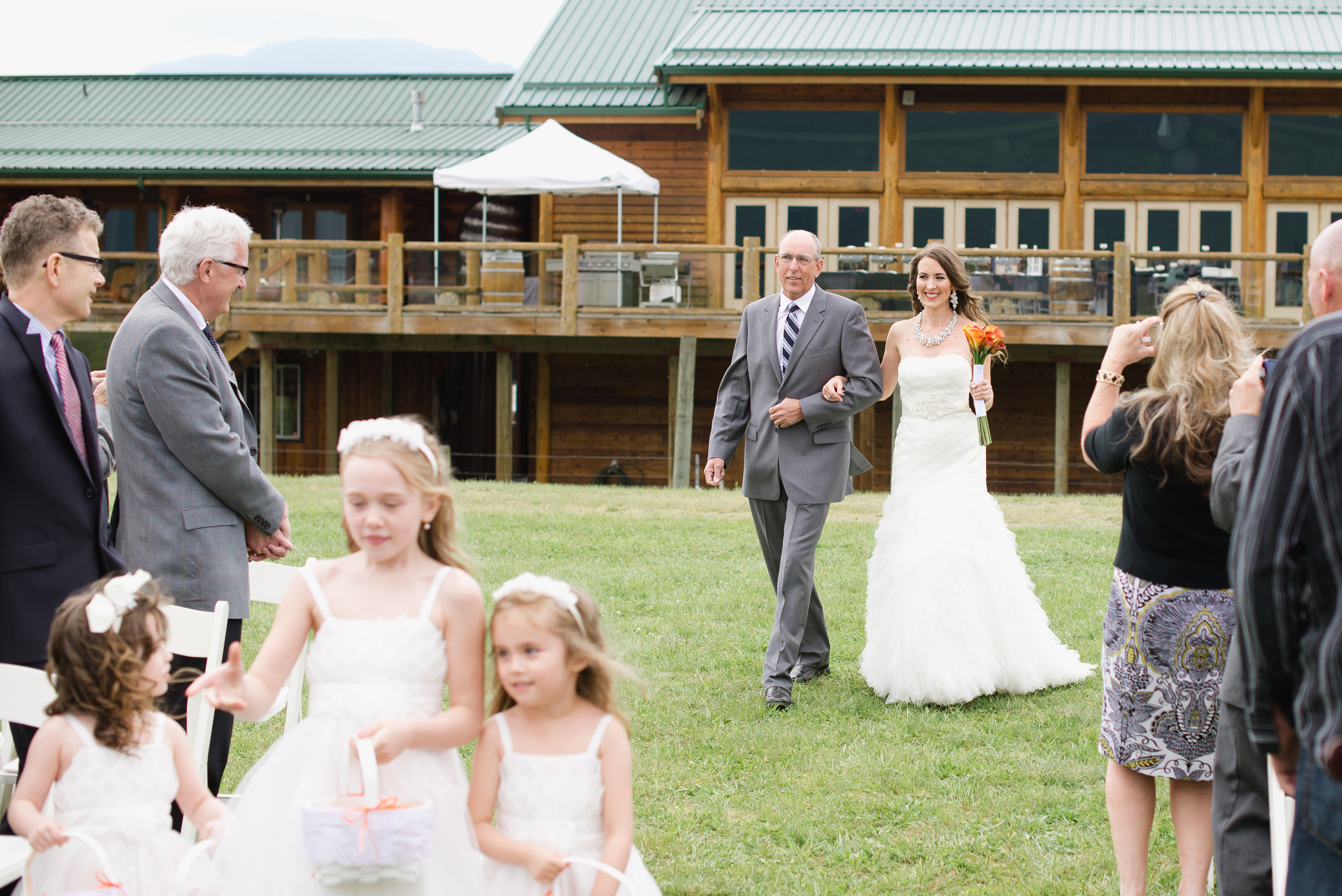 Fraser River Lodge Wedding_9.jpg