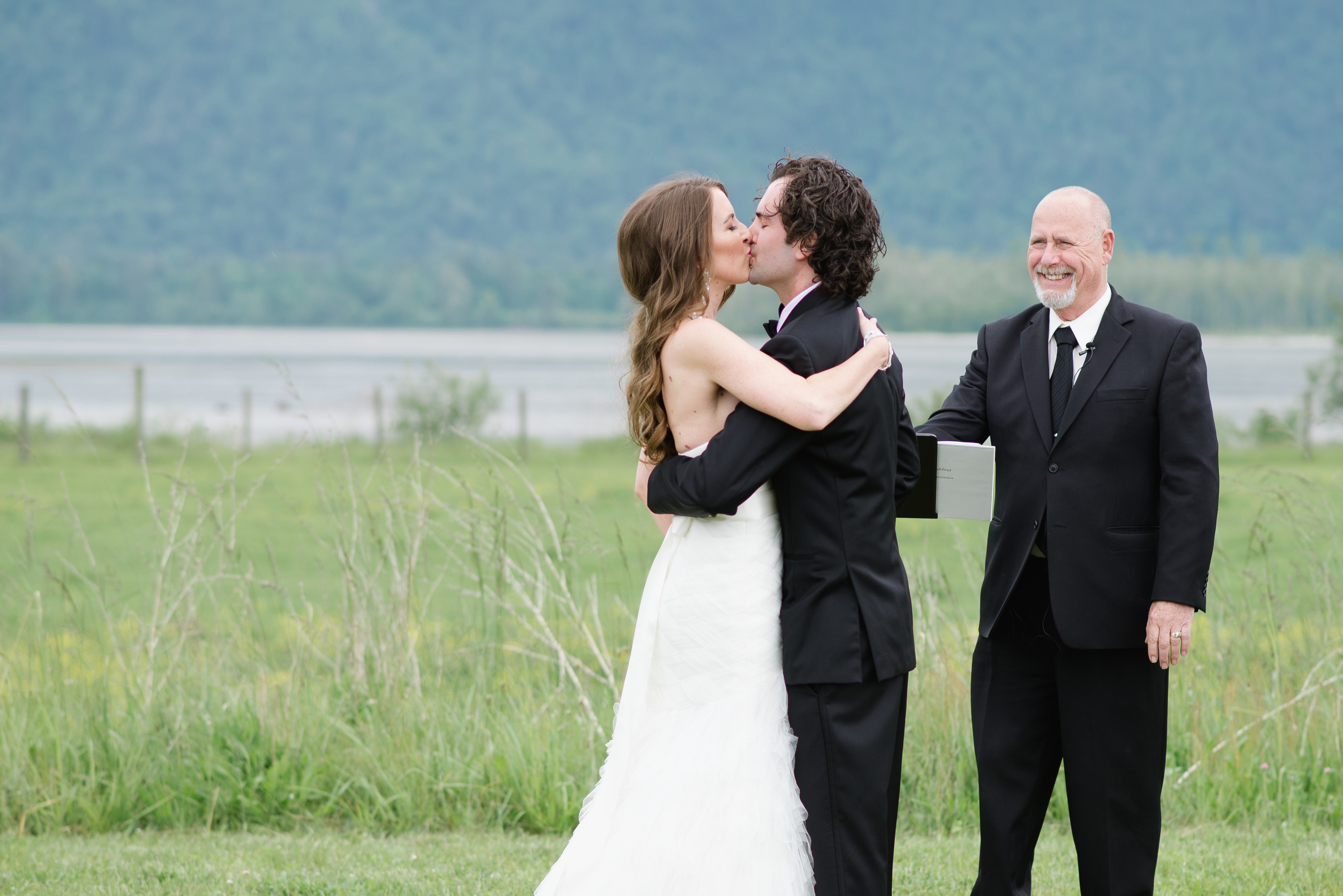 Fraser River Lodge Wedding_13.jpg