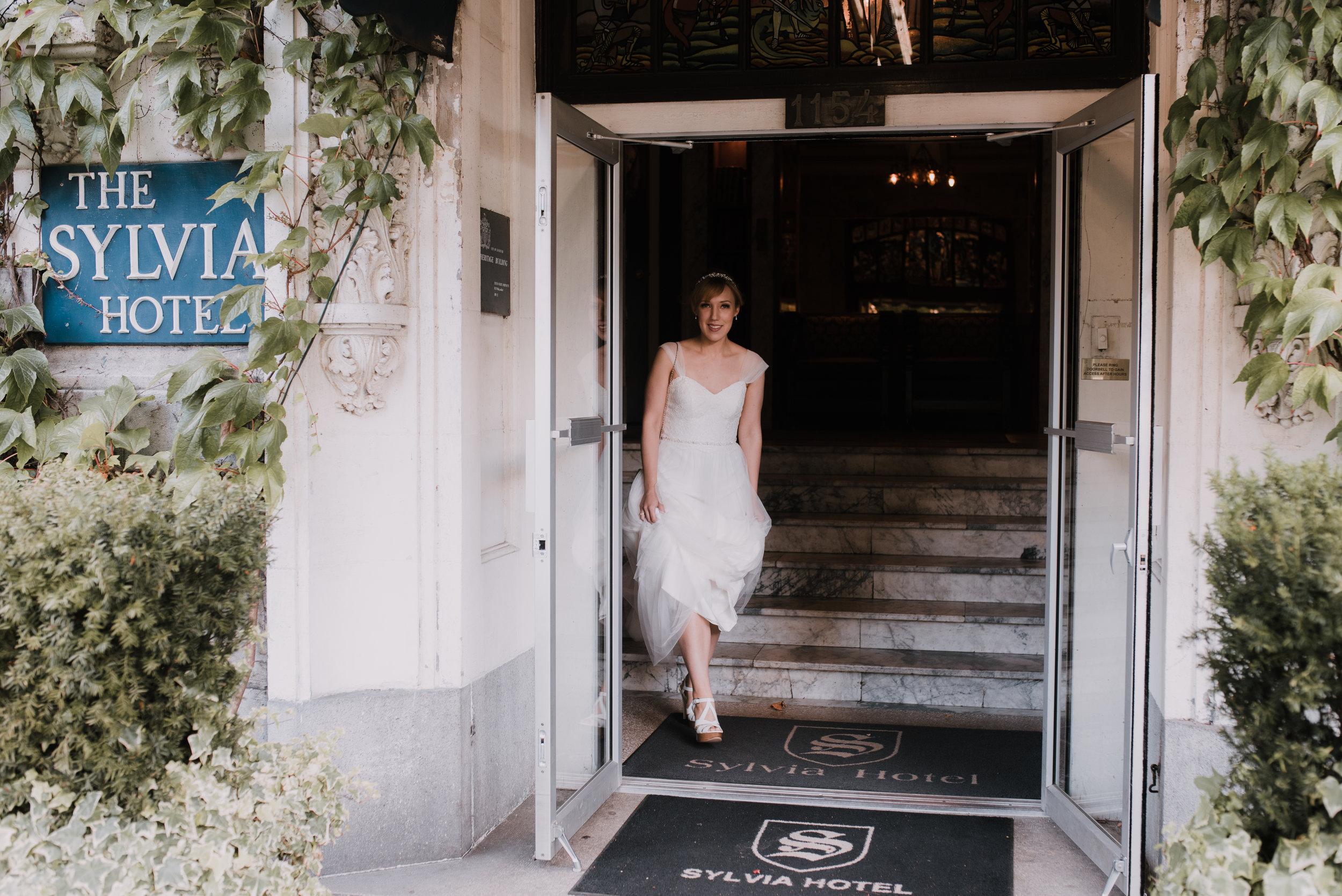 Ali & Brad Stanley Park Teahouse Wedding-24.jpg