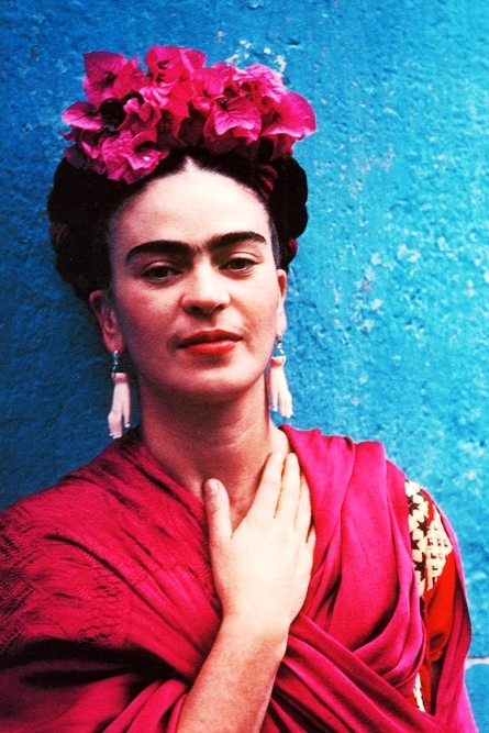Frida Kahlo   earrings given to her by Picasso