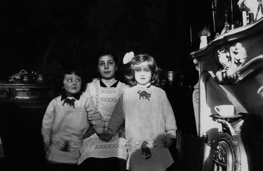 Louise Bourgeois (right) with her older sister, Henriette (seated) and younger brother, Pierre.