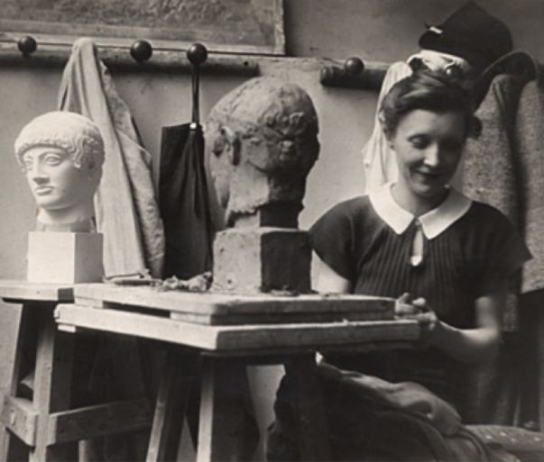 1934, Louise at the Académie de la Grande-Chamière
