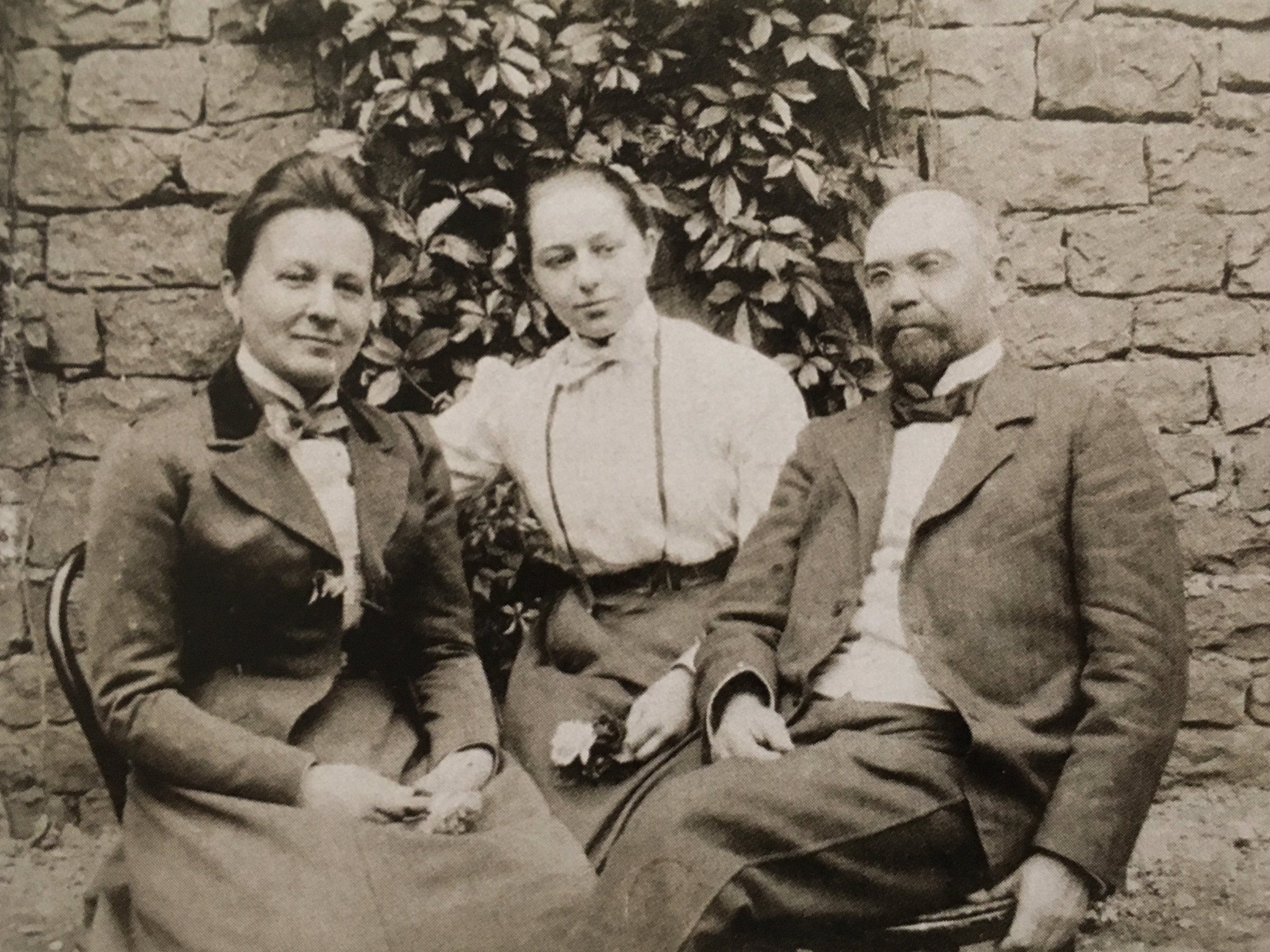 Sonia with her aunt Anna and uncle Henri c. 1900
