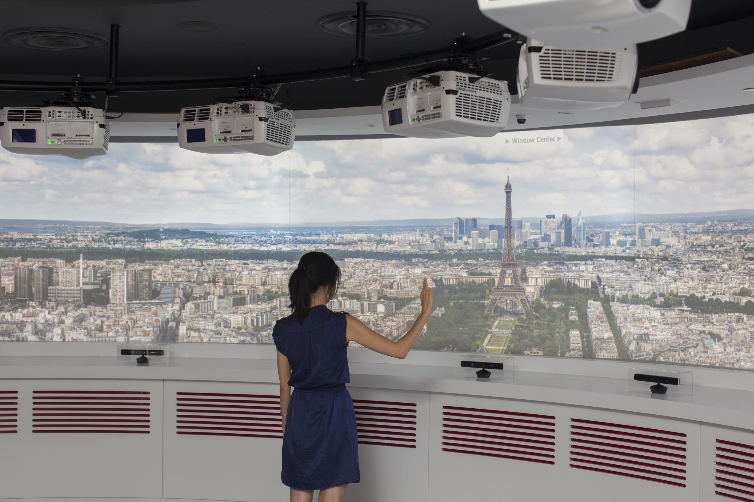 navigating gigapixel cityscape
