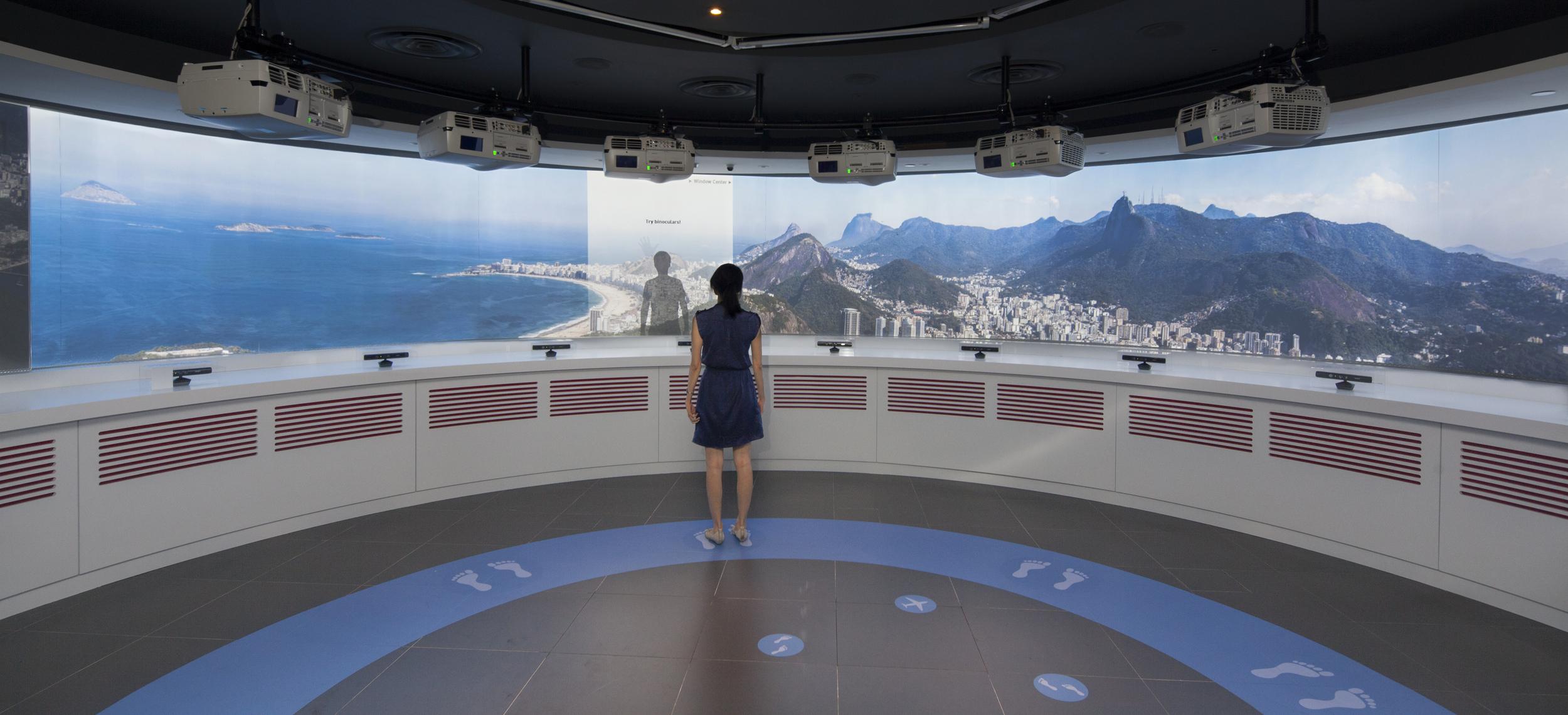 14m concave multiuser display