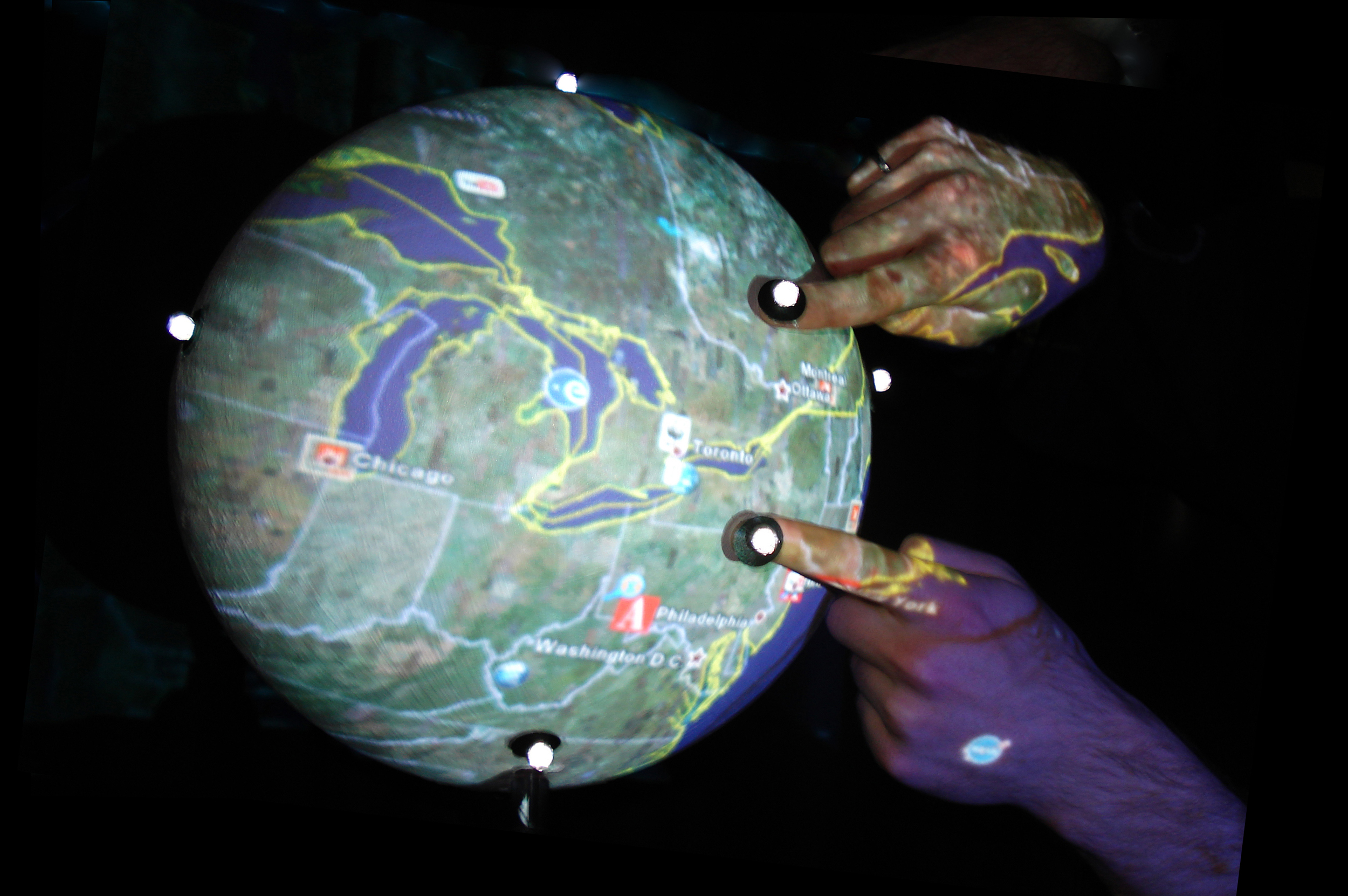first multitouch sphere (2008): zoom out gesture