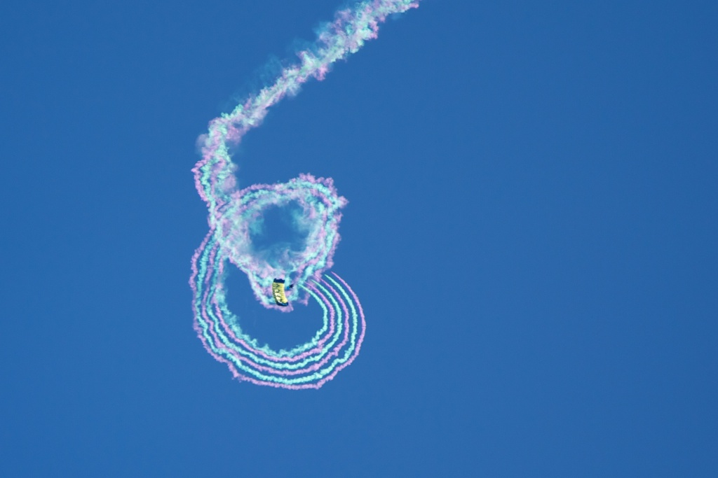 2012-07-Navy-Seals-Parachuting-at-Puopolo-Park-22.jpg