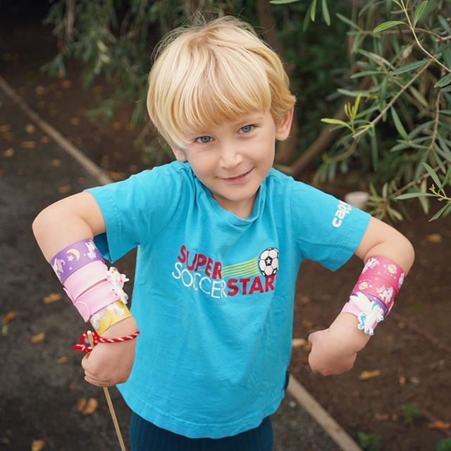 Real men wear pink unicorn snap bracelets 🤟🏻🌈🦄💕 #jacksondewoody