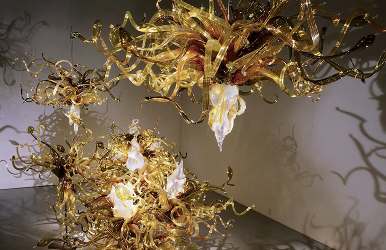 Dale Chihuly,  Laguna Murano Chandelier  (1996-97, glass, dimensions variable), DC.407