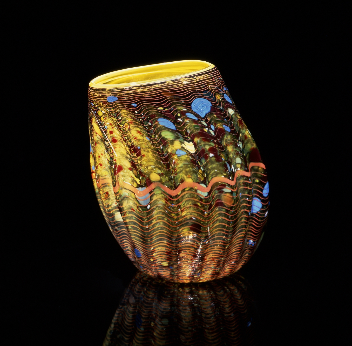 Dale Chihuly, Chinese Yellow Macchia with Peach Stripes (1982, glass, 11 x 9 x 8 inches), DC.70