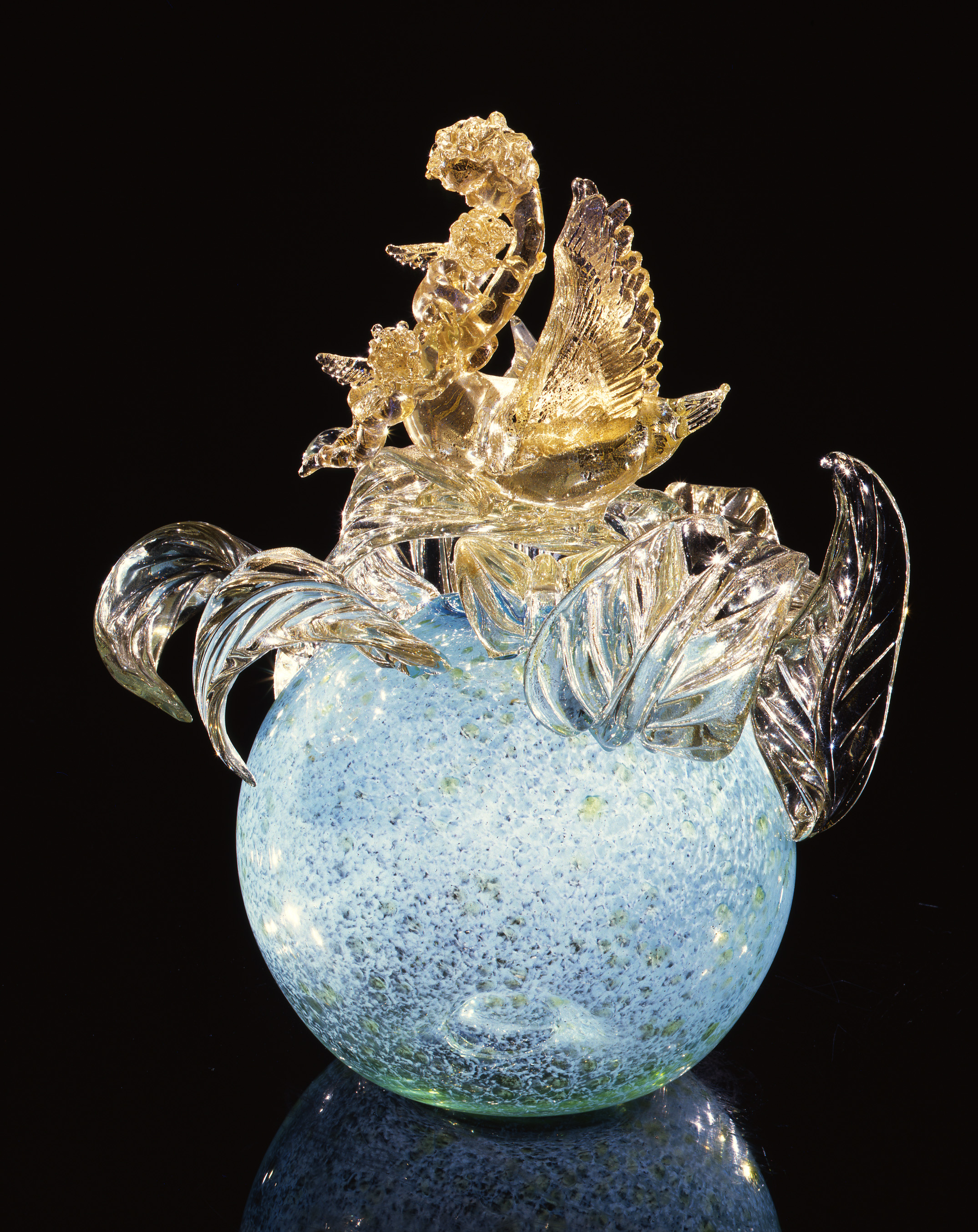 Dale Chihuly,  Gilded Mystic Blue Putto Venetian with Swan and Cherubs  (1994, glass, 19 x 15 x 15 inches)