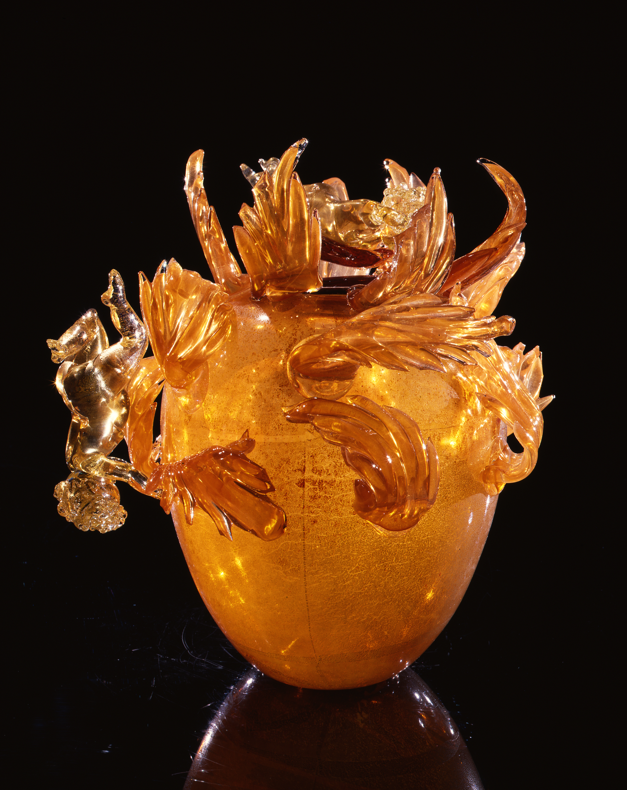 Dale Chihuly,  Gold over Bright Orange Putti Venetian with Leaves  (1994, glass, 15 x 15 x 15 inches)