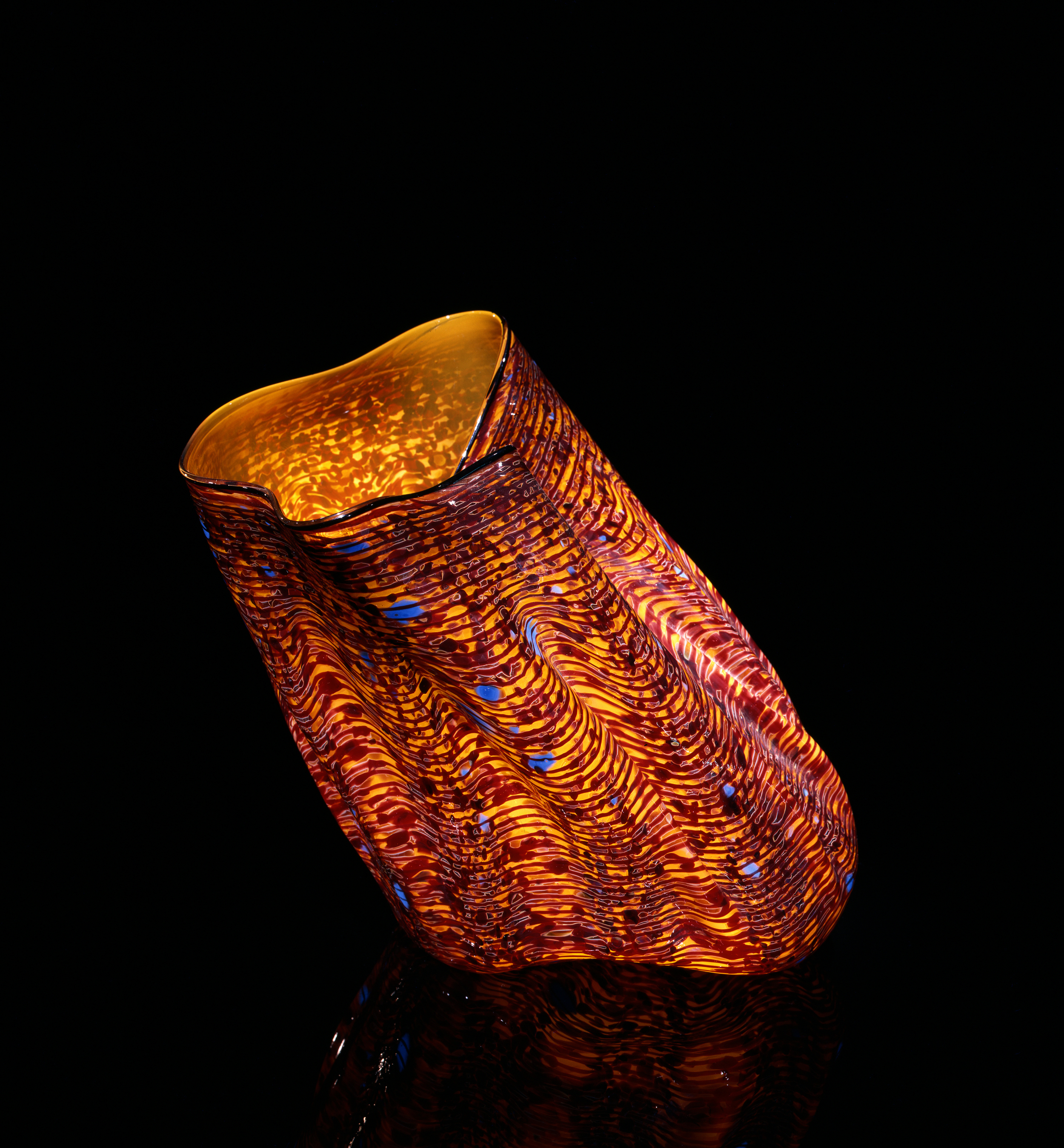 Dale Chihuly, Delta Yellow Macchia with Cassel Lip Wrap (1981, glass, 10 x 10 x 10inches), DC.57