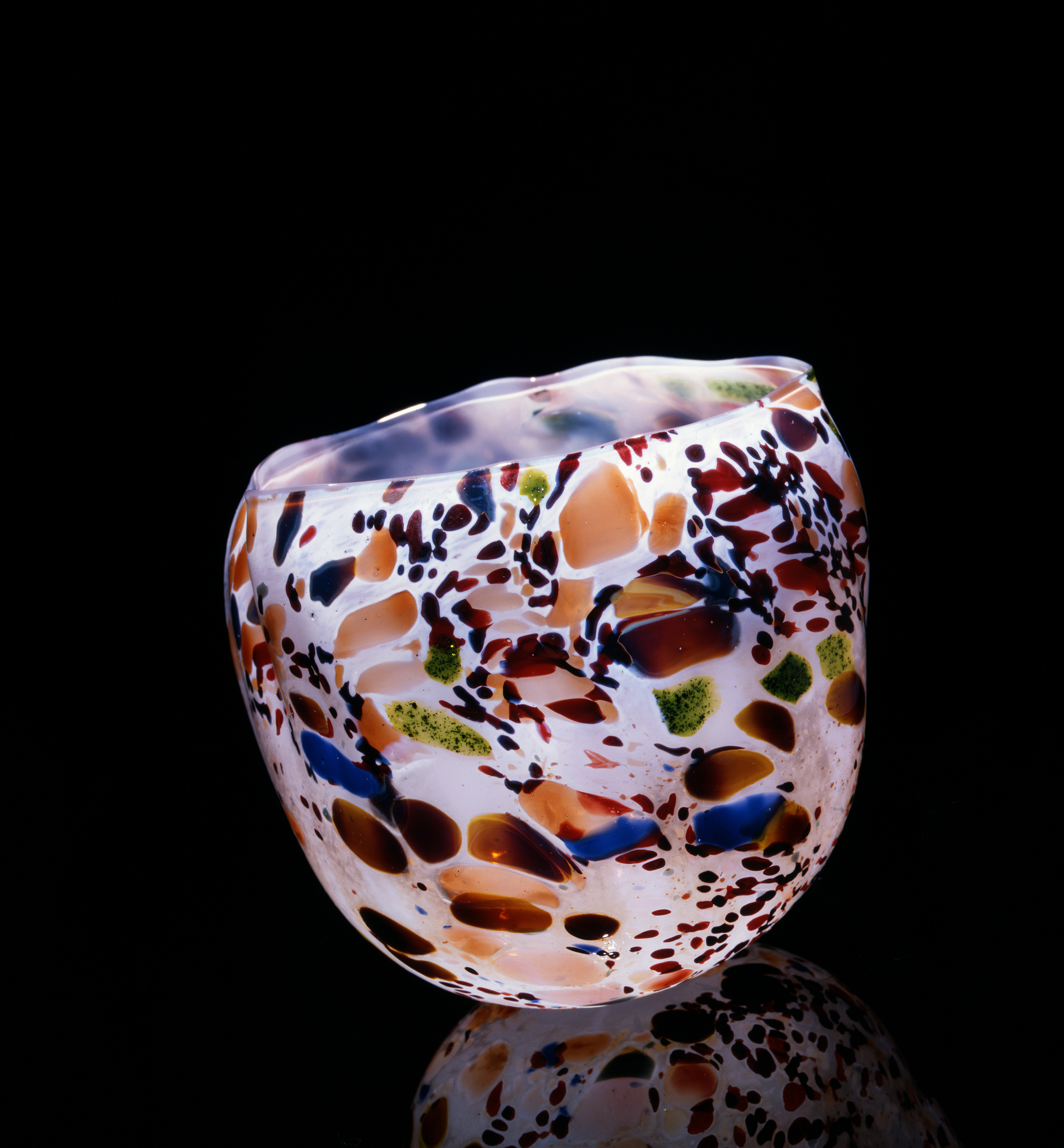 Dale Chihuly, Alabaster Macchia with Mutlicolored Jimmies  (1981, glass, 6 x 5 x5 inches), DC.60