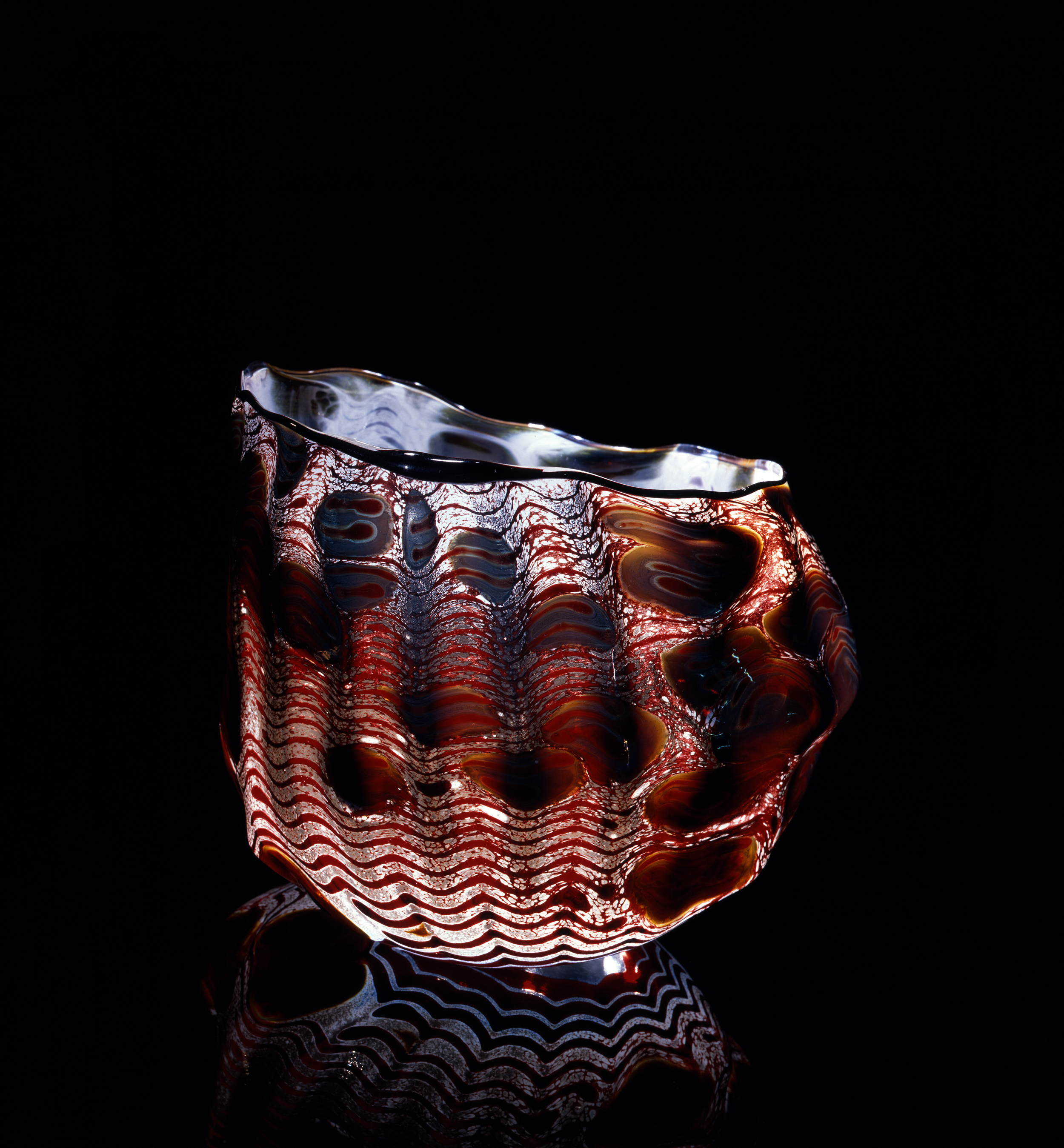 Dale Chihuly, Birch Macchia with Raw Umber Lip Wrap (1981, glass,7 x 9 x 7inches), DC.76