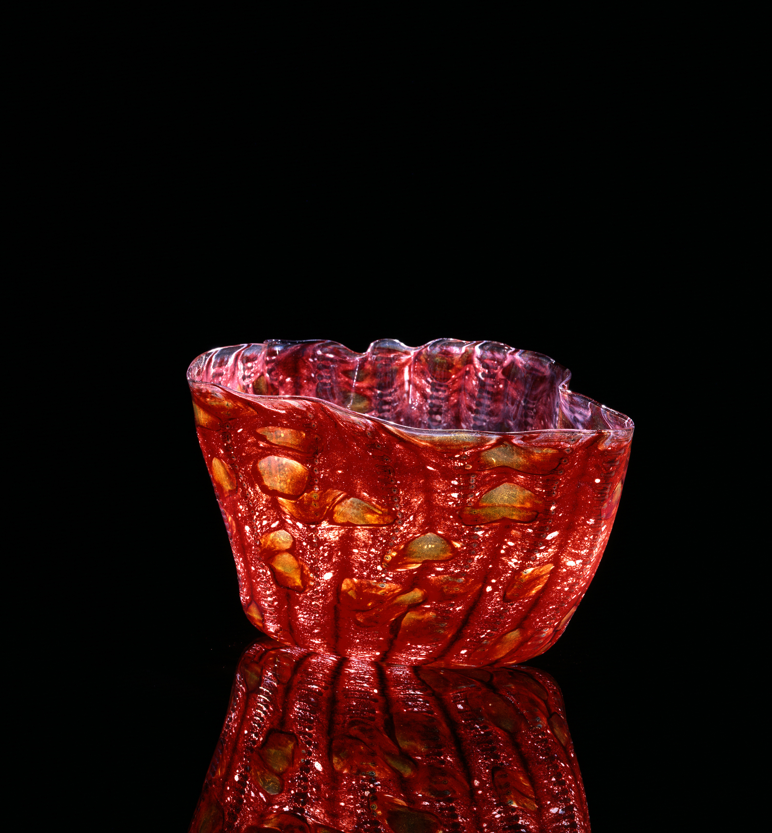 Dale Chihuly,  Prometheus Red Macchia with Sienna Jimmies   (1982, glass, 8 x 9 x 8inches), DC.112