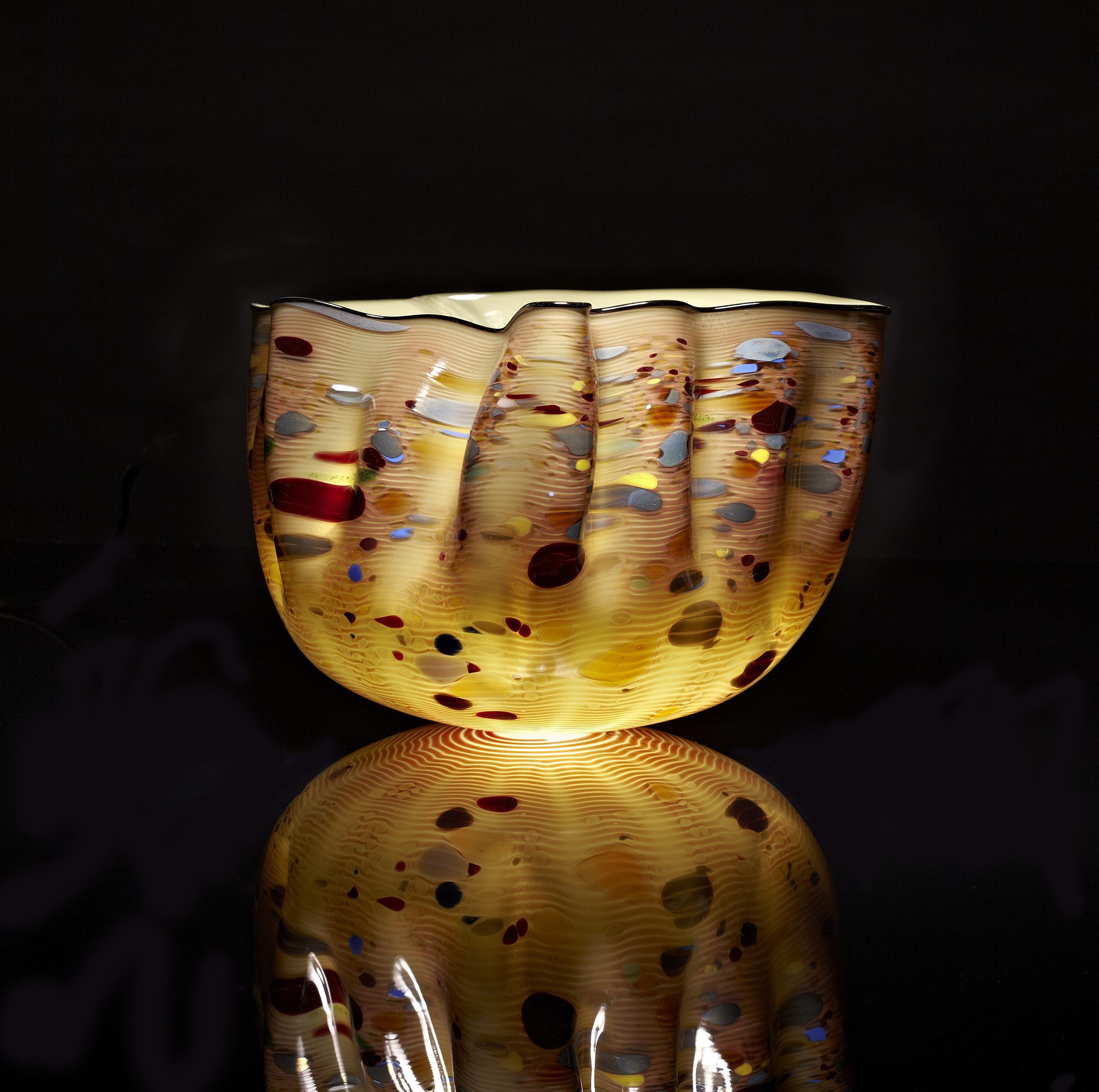 Dale Chihuly, Dark Olive Macchia Set with Black Lip Wrap (1983, glass, 12 x 10 x 8 inches), DC.141.1