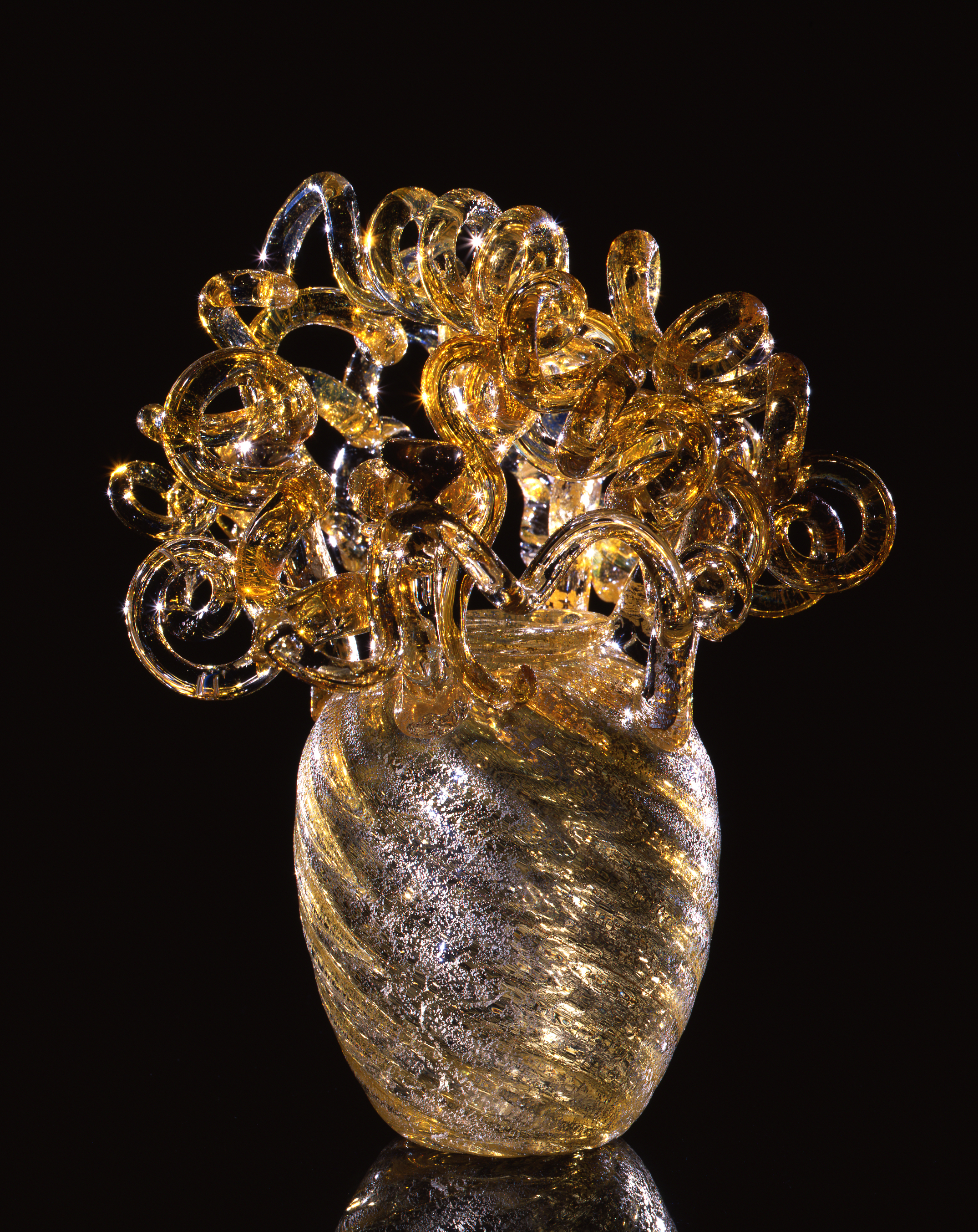 Dale Chihuly,  Golden Piccolo Venetian  (1993, glass, 8 x 6 x 6 inches)