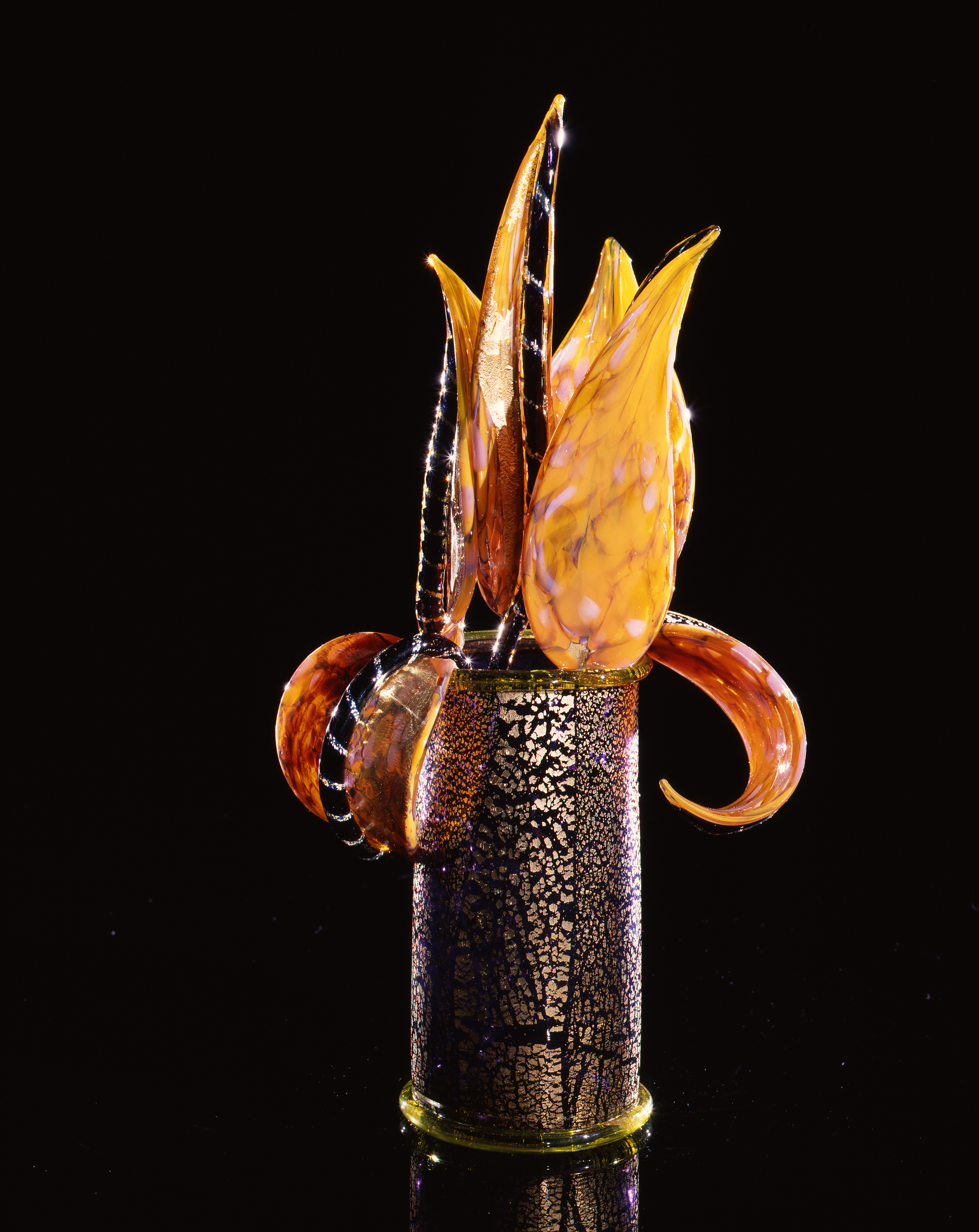 Dale Chihuly,  Gilded Violet Piccolo Venetian with Yellow Leaves  (1993, glass, 14 x 3 x 8 inches)