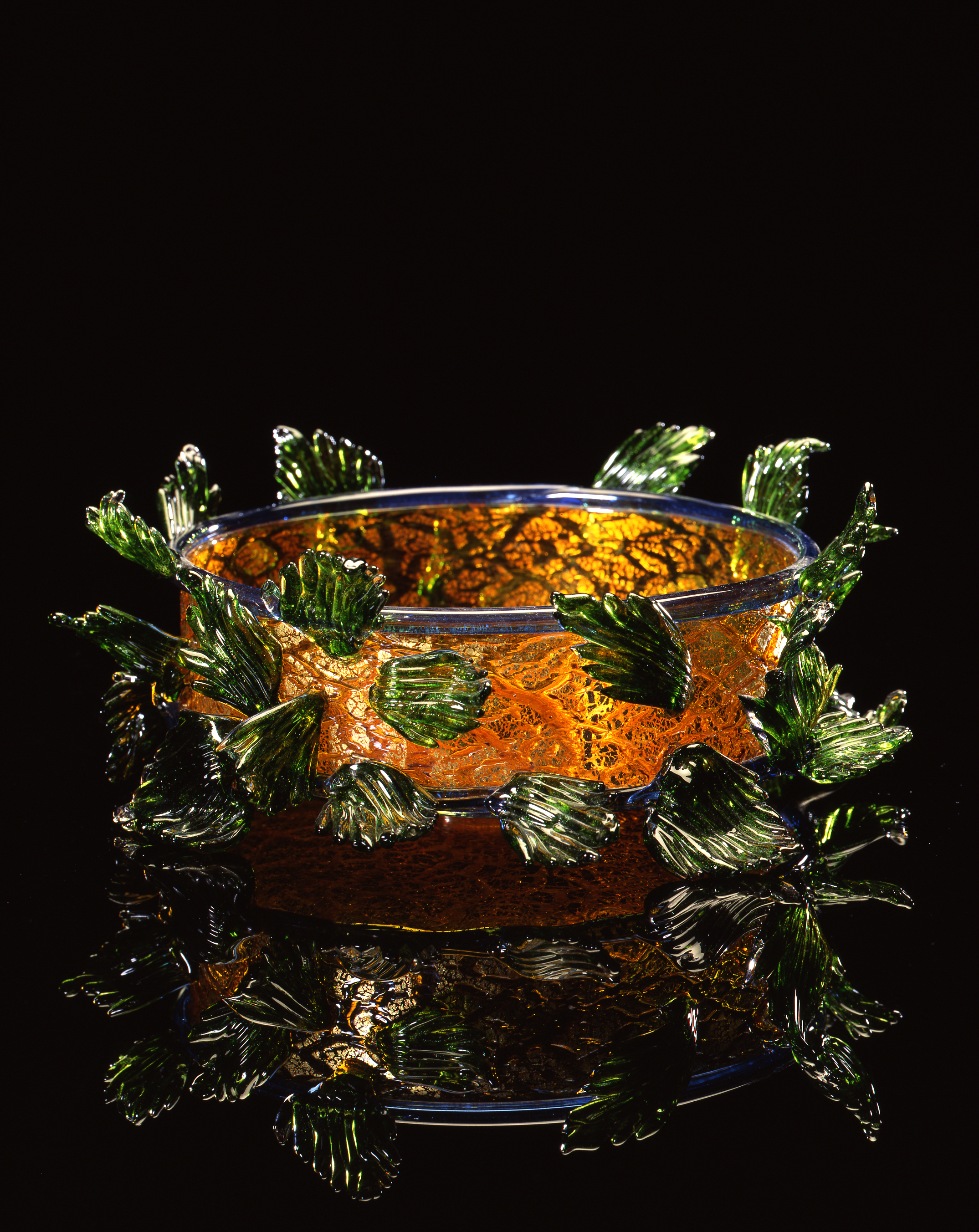 Dale Chihuly,  Golden Brown Piccolo Venetian with Green Leaves  (1994, glass, 4 x 10 x 10 inches)