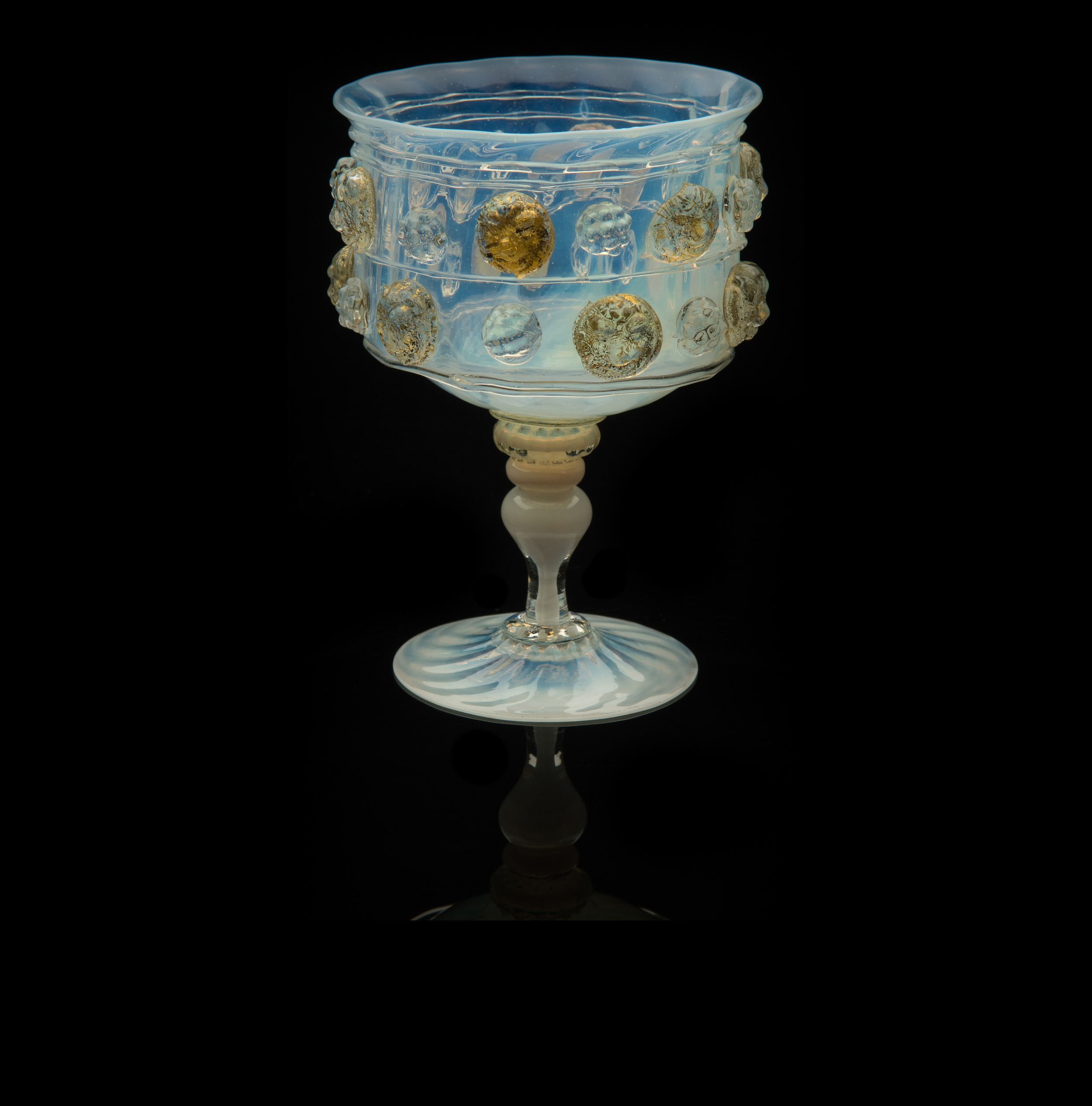 Salviati and Company, Medallion Goblet with Lion Heads0   (1866-1872, glass, 4 5/16 inches), VV.537