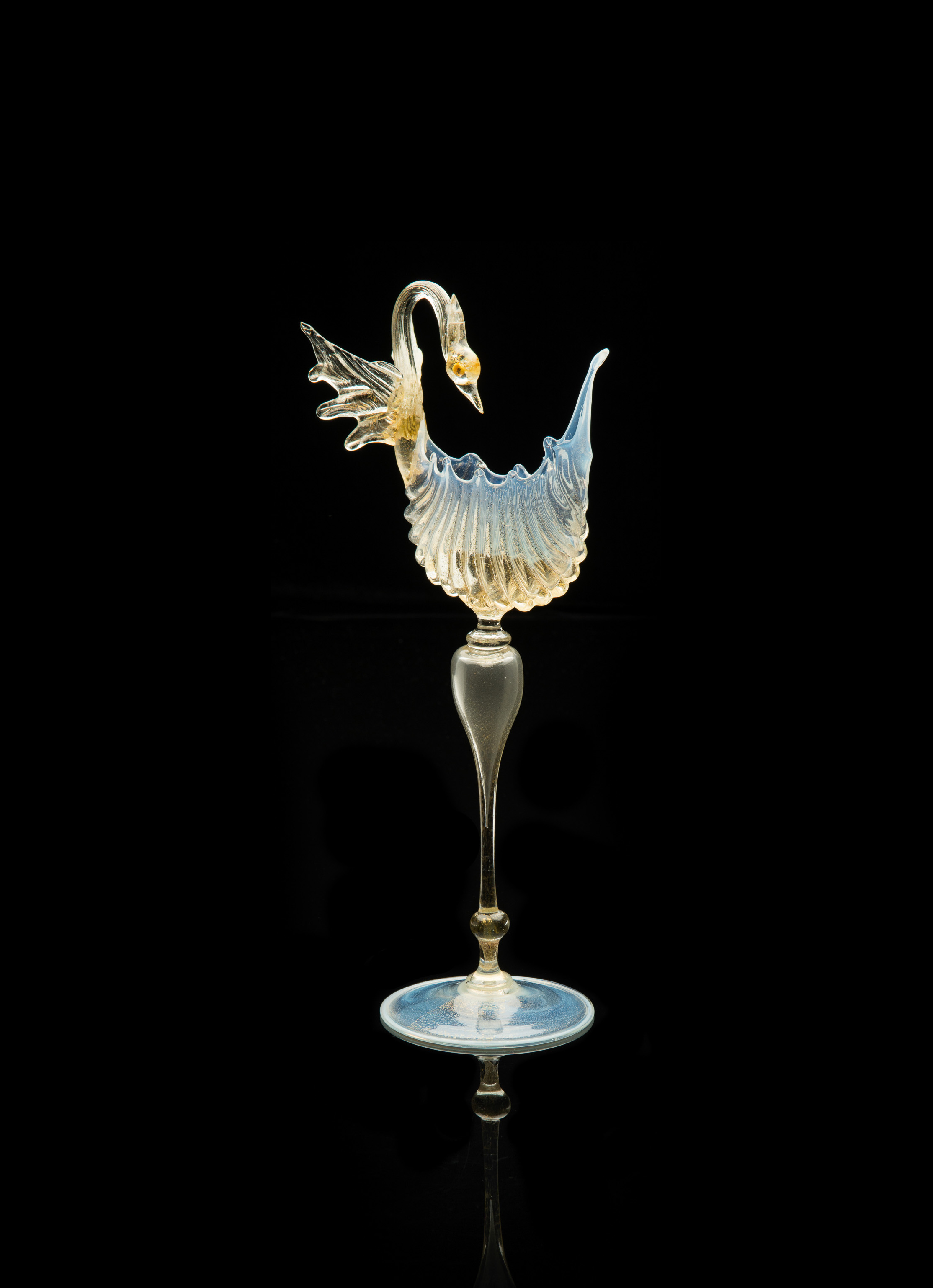 Salviati and Company, Scalloped Shell Vase with Swan (circa 1885, glass, 15 inches), VV.587