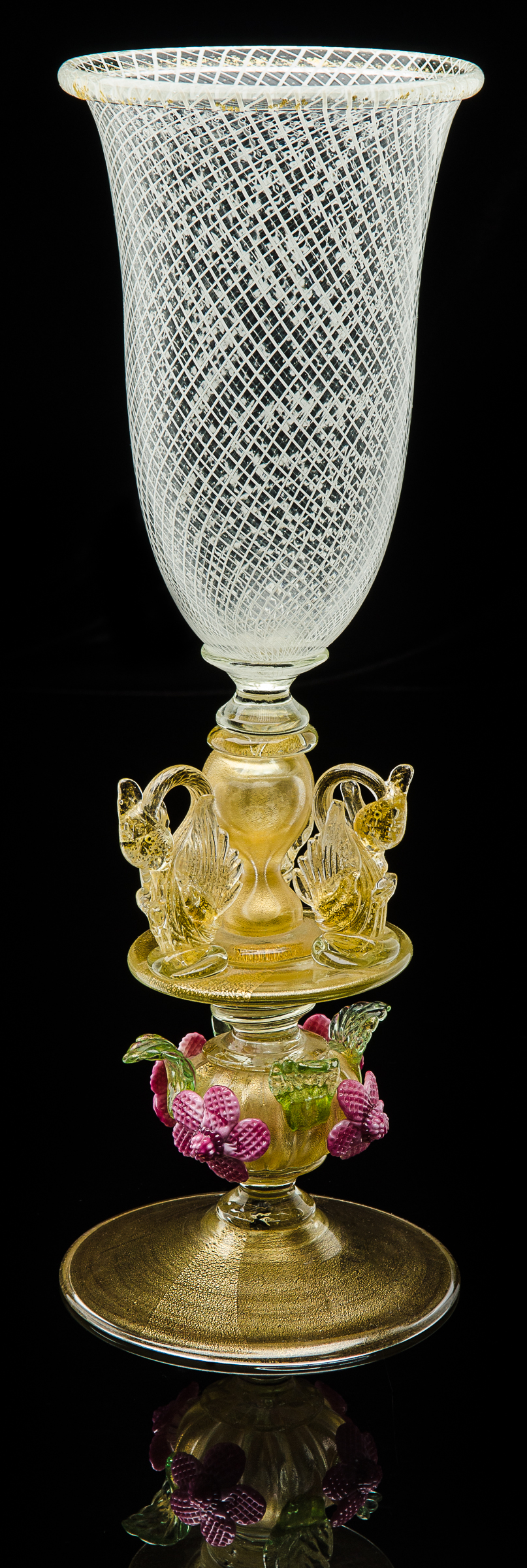 Elite Art Glass Company,  Footed Vetro a Reticello Vase with Swans and Flower  (1985, glass, 17 inches), VV.68