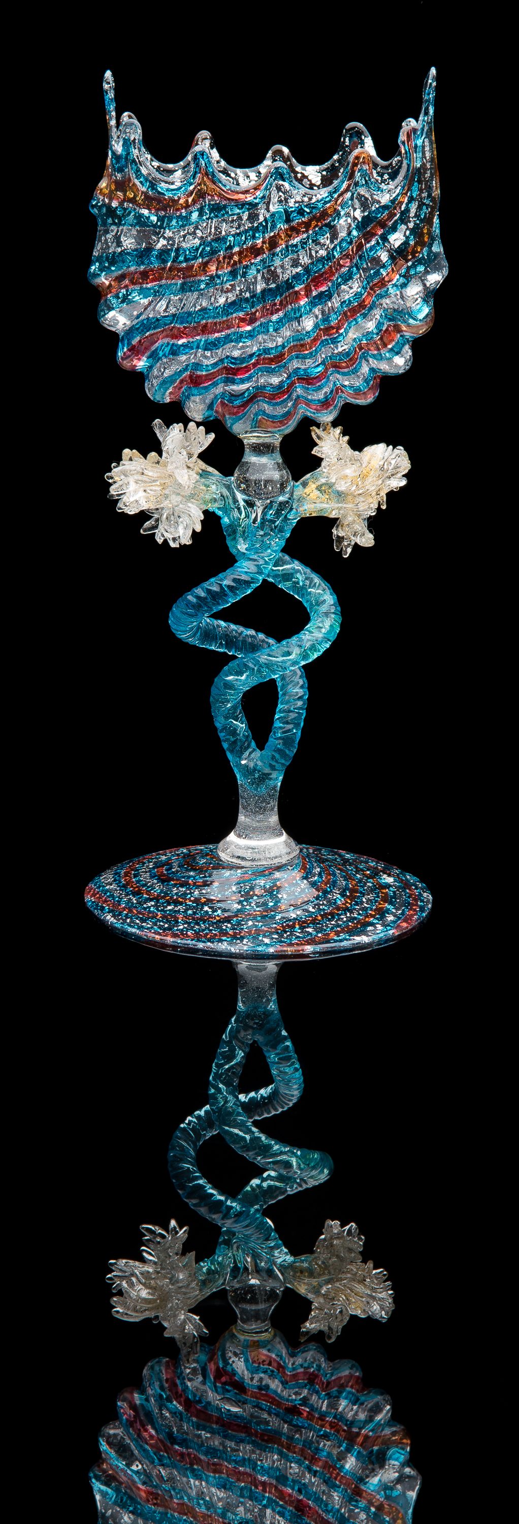 Fratelli Toso,  Large Shell Taza with Ruby and Blue Cane Decoration  (1885, glass, 8.75 inches), VV.1105