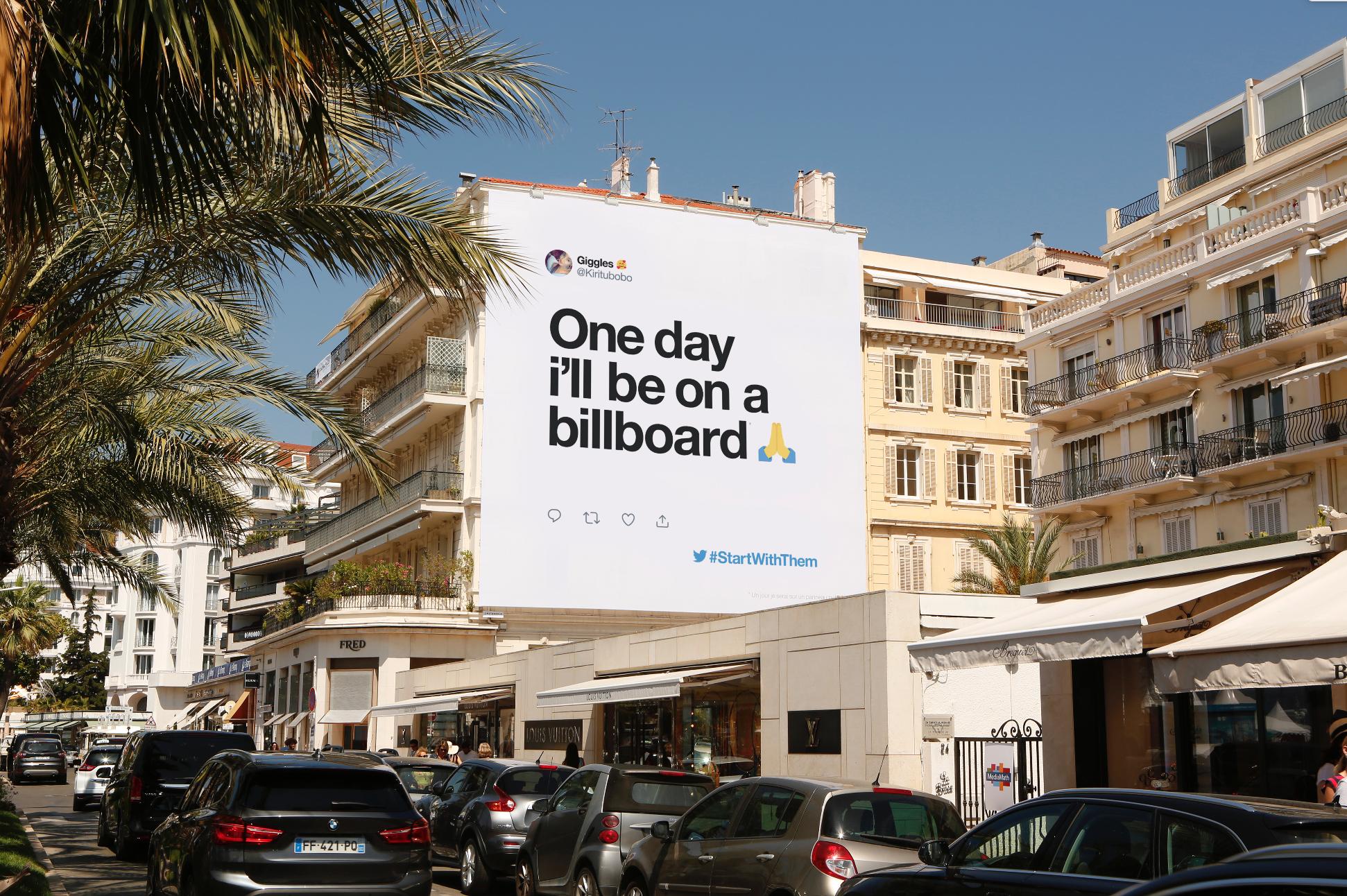 Billboardgirl.png