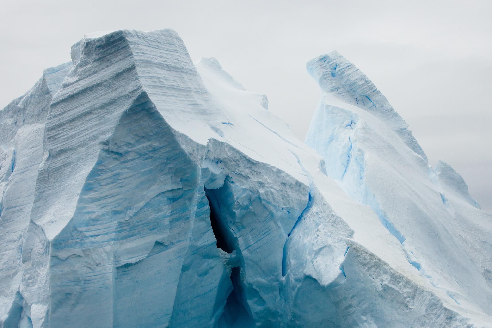 002-TW-Icebergs-140109.jpg