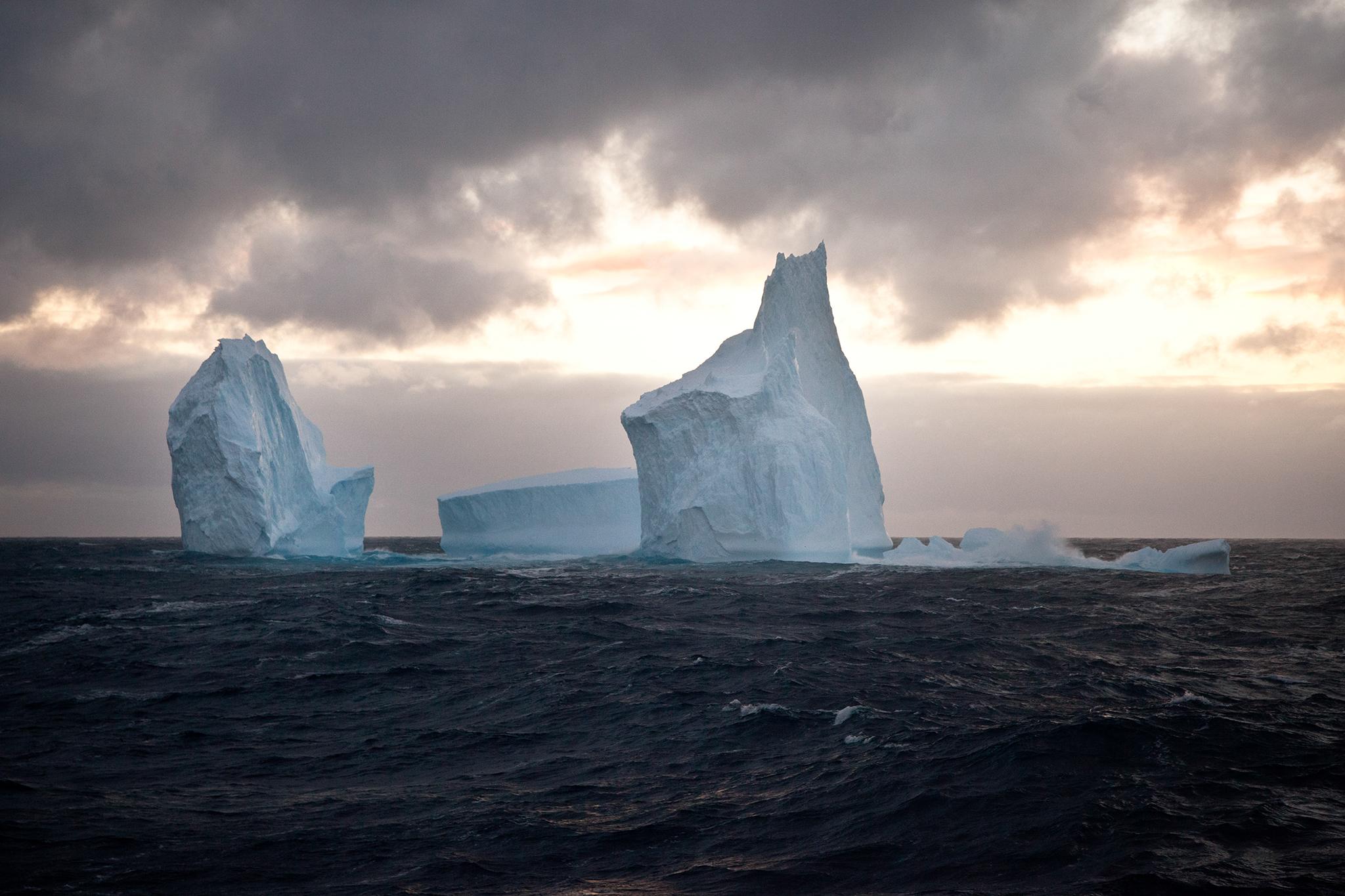 009-TW-Icebergs-130211.jpg