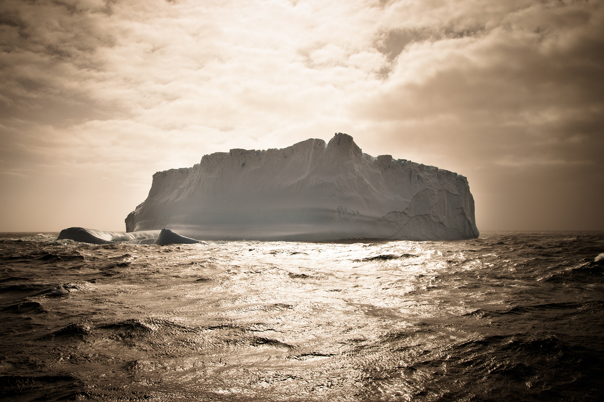 014-TW-Icebergs-131227.jpg