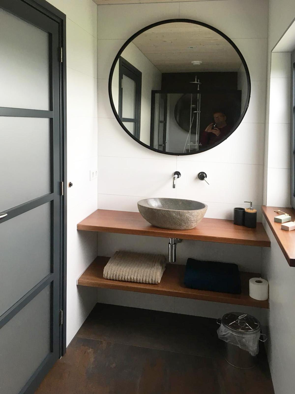 roelofarendsveen badkamer.jpg