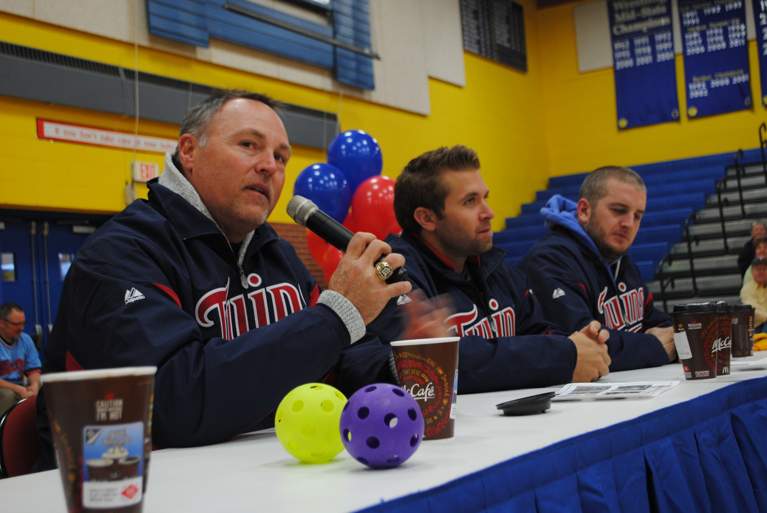 Tom Brunansky talks about the importance of education to WDC students during the Twins Caravan visit.