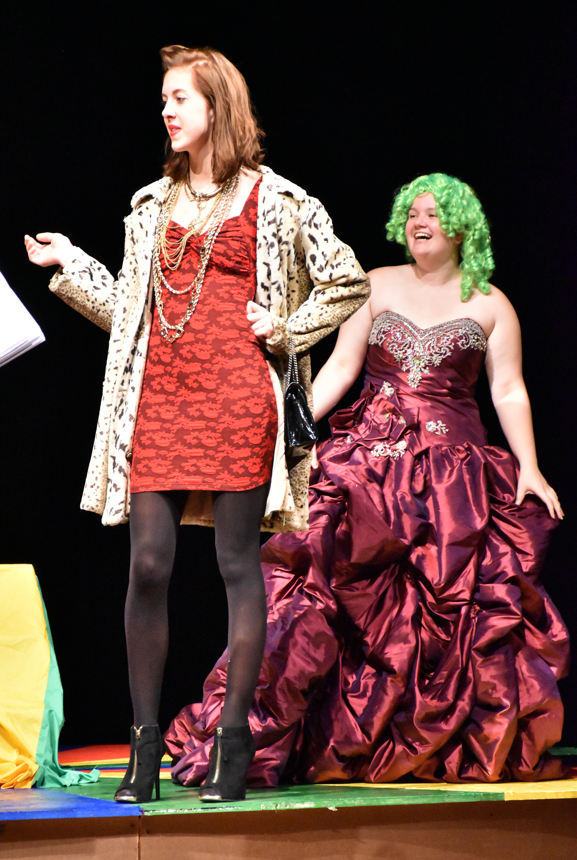 iz Peterson, left, plays the overbearing and overdressed widow, Beulah Von Schmellie, and Hope Dumpprope is Beulah's young and very meek niece, Noelle. Photos by Anna Erickson, Wadena Pioneer Journal)