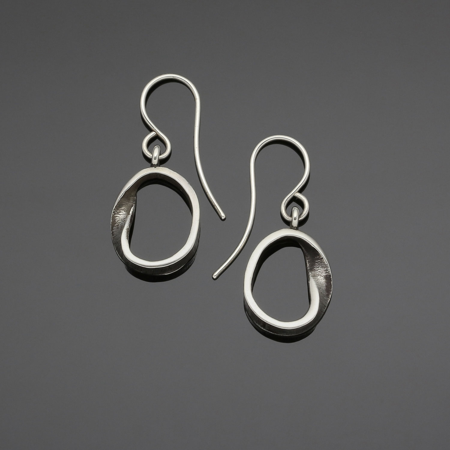 #126 Mobius small hoop earring