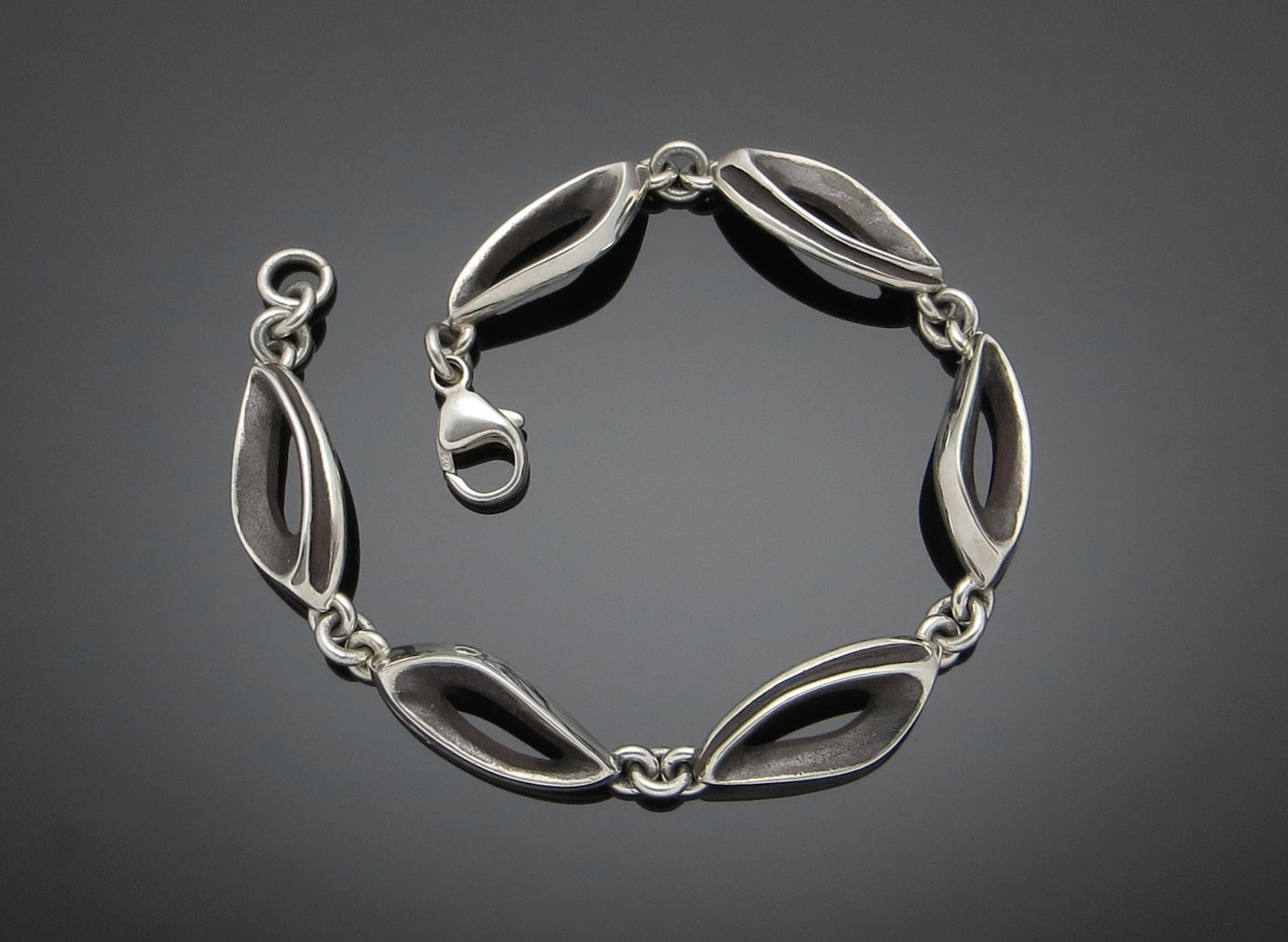 #116 Hollow Ground bracelet