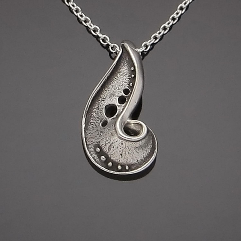 #157 Paisley S pendant