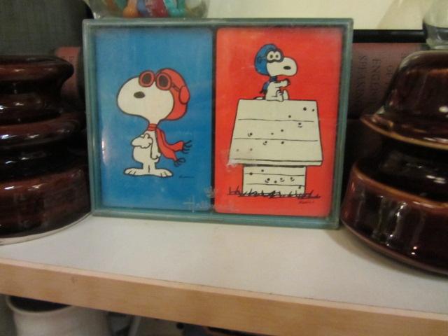 Snoopy does Bridge