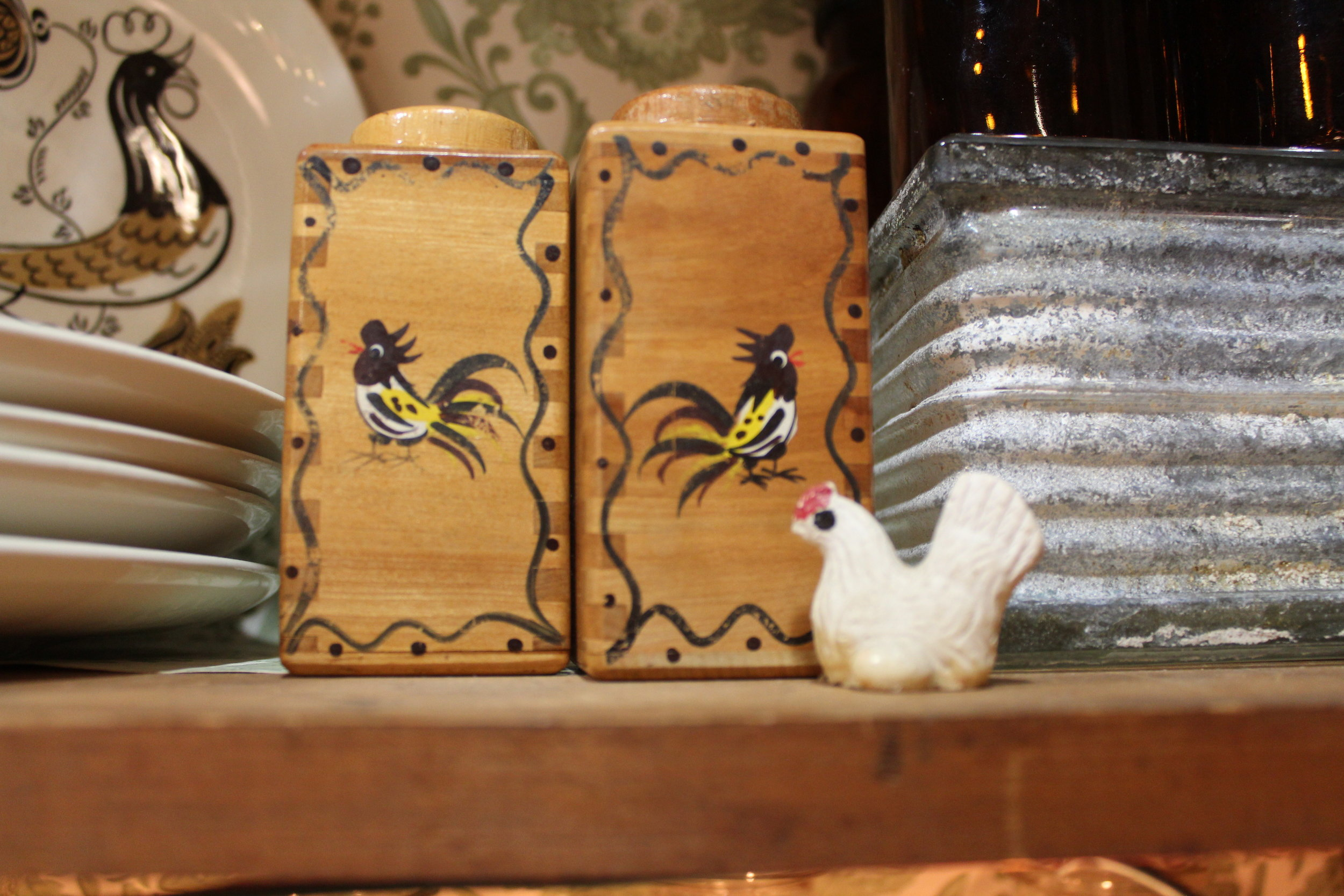Handpainted wood rooster salt and pepper shakers
