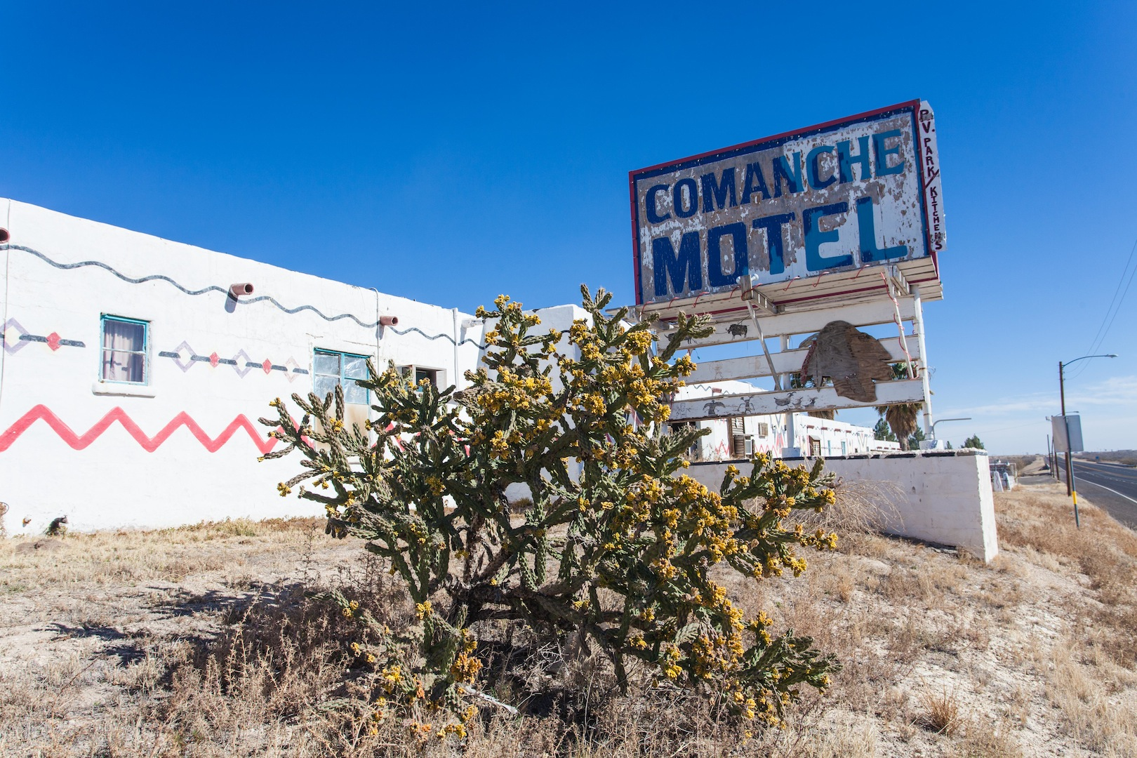 Motel-Fort-Worth-Comanche.jpg