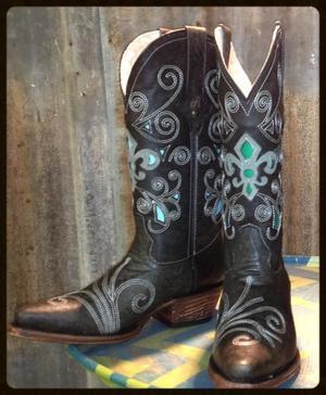 Dusty-Delis-Black-Gray-Fleur-de-Lis-Boots (1).jpg