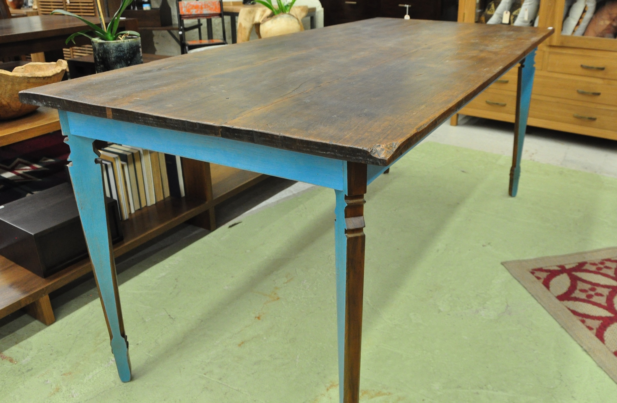 "Warna Miring Table  $775, 66""L x 30""D x 30""H  $915, 73""L x 33""D x 30""H"